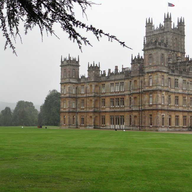 Highclere castle tour bath u highclere castle hour tour for Downton abbey tour tickets
